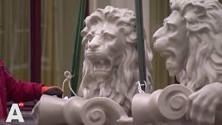 Leeuwen prijken na decennia weer op Amstel Hotel