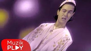 Serdar Ortaç - Aşkın Kitabı (Official Video)