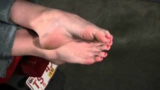 Sexy female toes, soles and arches