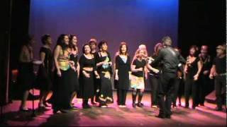 """Coro da Ladeira - """"Mas que Nada"""" - Mariana - FIC Corais 2010.MPG"""