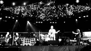 Pearl Jam - Elderly Woman Behind The Counter In A Small Town (Live Big Day Out Melbourne 2014)