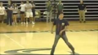 Dance to Papa Americano