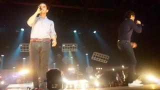 Vianney Feat Boulevard des airs - Je m'en vais [ Live Zénith de Pau - 12/05/2017 ]