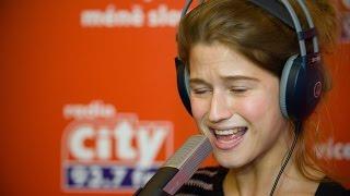 Selah Sue - Valerie (Mark Ronson & Amy Winehouse cover) | CITY LIVE na radiu City (7.12.2014)