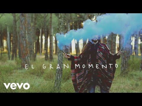 El Gran Momento de Carlos Sadness Letra y Video