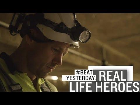 """Real Life Hero"" Johann lebt #BeatYesterday. Als Kanalarbeiter - Fitnesstrainer - Eishockeyspieler."