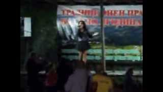 Фолк певицата Валя - На събора в с.Ягодина 2013 г. ( 4 )