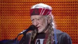 Willie Nelson & Family – I'll Fly Away (Live at Farm Aid 2016)