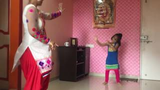 Mother & daughter dance on Zingat song