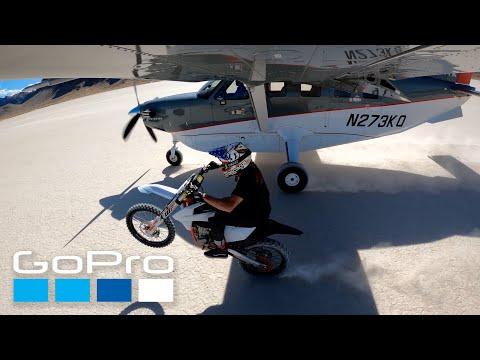 GoPro: Plane vs. Moto | HyperSmooth 3.0