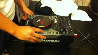 The Pioneer CDJ-400 Demo - Earthquake by Family Force Five