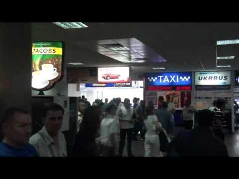 07-11-2010 Arrive in Ukraine.wmv
