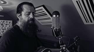 "Sean Rowe - ""Newton's Cradle"" (Live)"