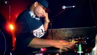 Royce Da 5'9'' Feat. Phonte - Something 2 Ride 2 [Instrumental] (Produced by DJ Premier)