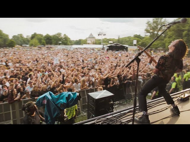 Frank Carter & The Rattlesnakes - Lullaby - Live from All Points East