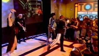 Kung Fu Fighting - REMIX 1998 - Bus Stop & Carl Douglas  -  Fantastic Performance!