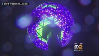 Thousands Flock To Times Square For New Year's Eve