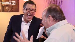 Gerry Scotti & Fabrizio Frizzi si divertono giocando per l'Unitalsi