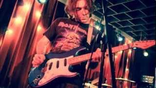 Twelve Tone Elevator - Screaming Blew (Demo Mix)