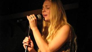 11/17 Delta Rae - River (Joni Mitchell Cover) @ Ram's Head Onstage, Annapolis, MD 11/30/15