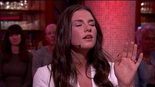 Maan zingt auditienummer: 'Ik vind het spannend' - RTL LATE NIGHT