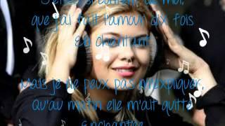 Louane-En chantant (Paroles)