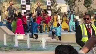Live dance laila main laila in Dubai Bollywood park