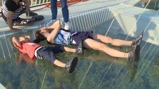 China's record-breaking glass bridge closes