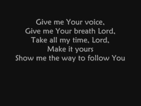Mas Que Un Anhelo English Lyrics de Marcela Gandara Letra y Video