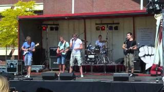 Djubileum - Hello (Martin Solveigh ft. Dragonette Cover) Bevrijdingsfestival