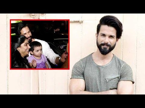 Shahid Kapoor Clicks Picture With A Little Fan!