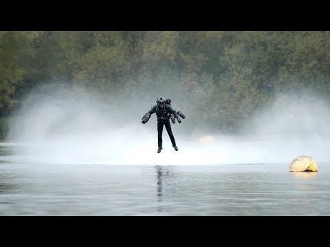 """""""Iron Man"""" flying jet suit sets Guinness World Record"""