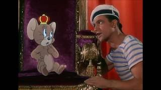 Jerry Mouse and Gene Kelly Dance - Anchors Aweigh (1945) width=