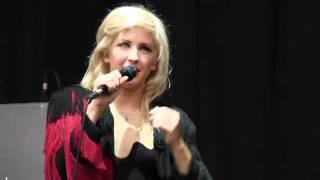 Ellie Goulding - Your Song live at V Festival (Weston Park) 20-08-11