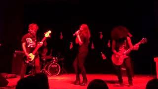 Show de Talentos Bertoni 2013 - Auttarchia feat. Paula Lemos