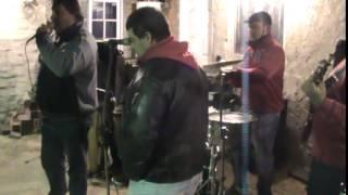 Sergio Becchio cantando la ladrona en el cumple de el mono arce
