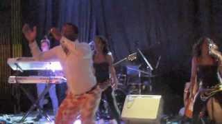YURI DA CUNHA, authentic Angola, ending the concert in Madrid, www.angolanamadrid.com