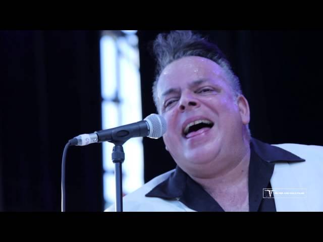 Mike Sánchez como telonero de Robert Plant en las Noches del Botánico