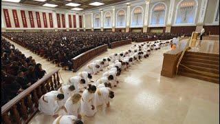 Bispo Macedo canta Honra e Prazer, no Templo de Salomão