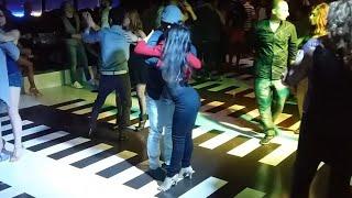 Bachata Sensual | Quisiera ser un pez - Juan Luis Guerra | Social dancing Federica Marchini