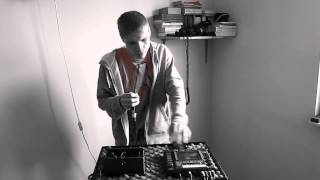 BOSS Loop Contest 2012: D-Live [PL]- Vocal Groove (Live Looping Beatbox)