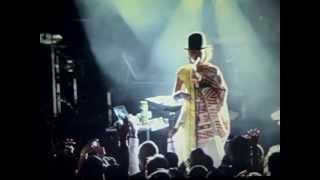 Erykah Badu & Tyler The Creator  ( Feat. CoCo O. ) - Treehome95