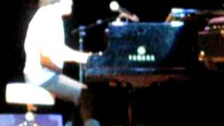 """Jamie Cullum """"Please Don't Stop The Music"""" (live in Toronto)"""