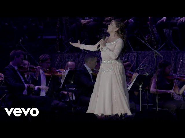 Vídeo de la canción Abrázame muy fuerte de Isabel Pantoja