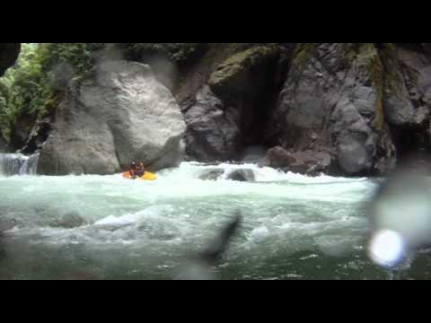 Rio Cofanes, Ecuador