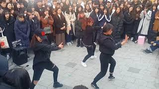 [디벨롭☆DEVELOP]BLACKPINK ☆BBHMM REMIX☆ COVER 홍대버스킹 20171225월 [Hongdae Kpop Street Dance]