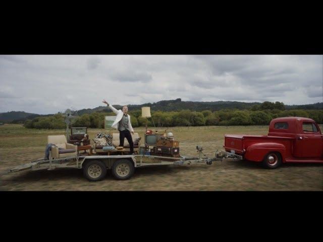 Videoclip oficial de la canción Can't Hold Us de Macklemore