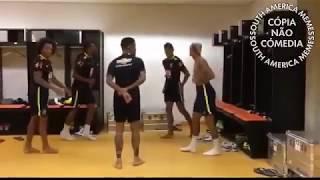 Neymar dançando Club das Winx.