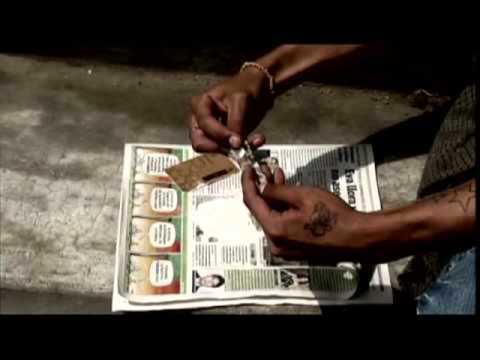 Toro Poco Floro de El Paisa Letra y Video