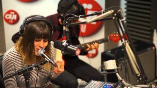 Melody's Echo Chamber - I Follow You - Session Acoustique OÜI FM